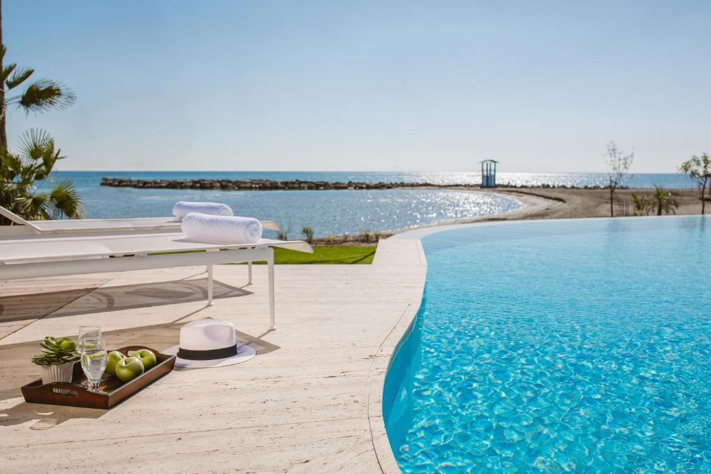 Piscine de l'établissement Lebay Beach Hotel ou située à proximité