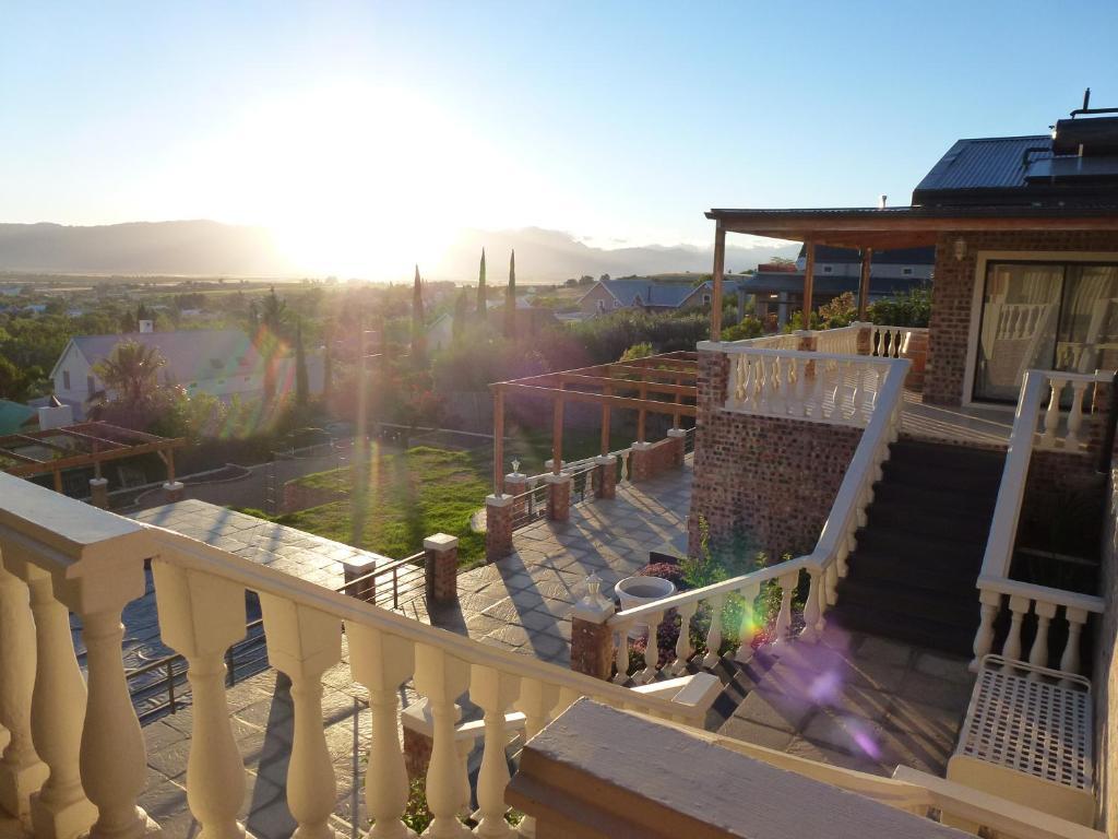 A balcony or terrace at Die Kasteel