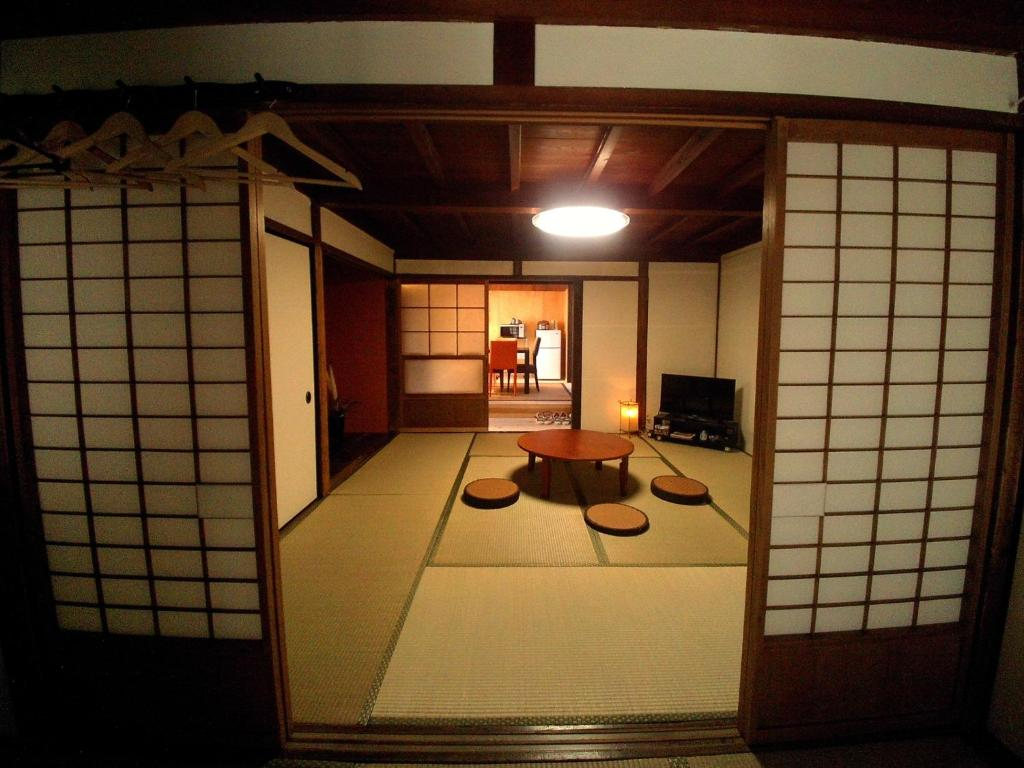A seating area at Yanaka no Taisuke