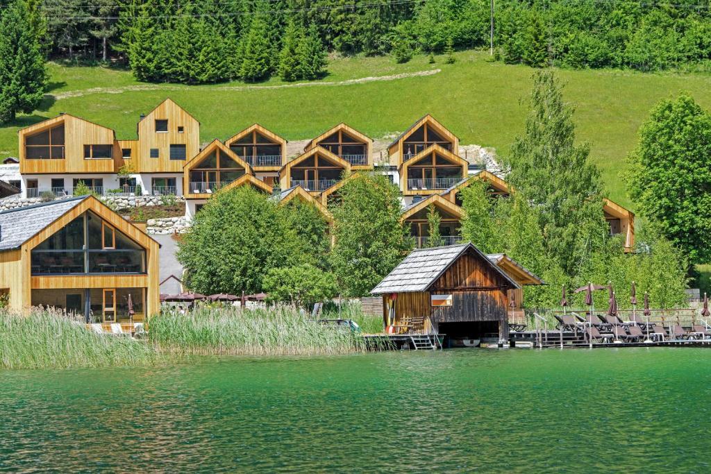 Regitnig - 4 Sterne Hotel und Chalets Weissensee, Austria