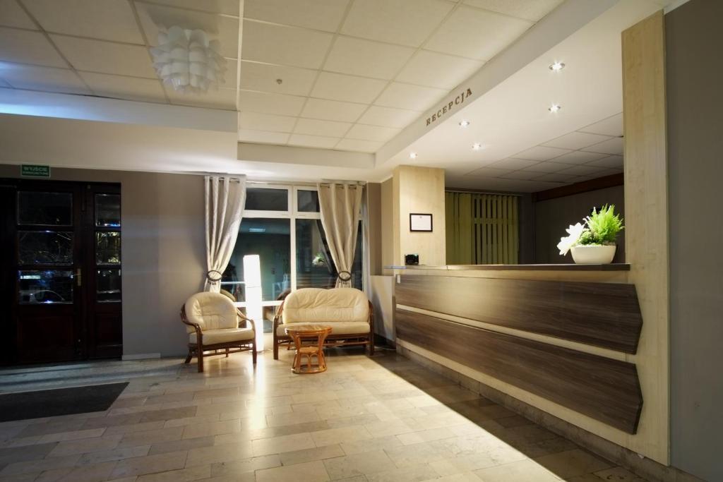 Hol lub recepcja w obiekcie Hotel Miramar