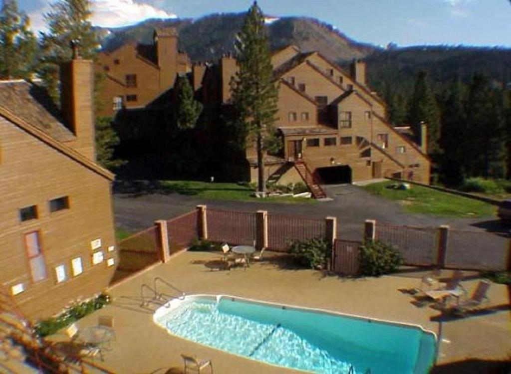 A view of the pool at Aspen Creek by 101 Great Escapes or nearby