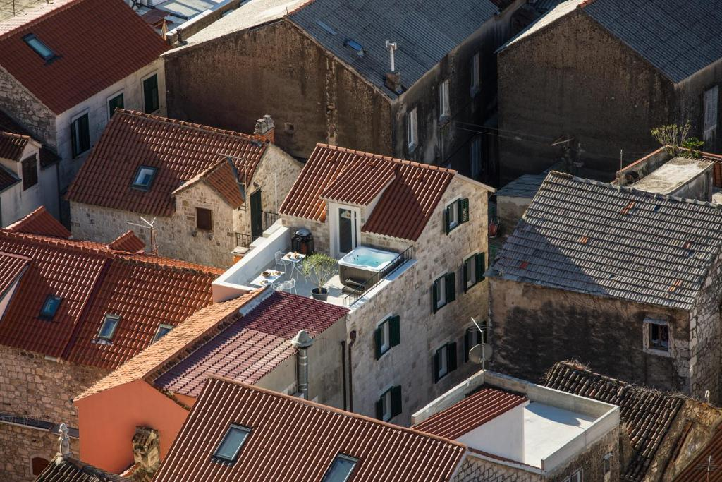 A bird's-eye view of Stone House Franco