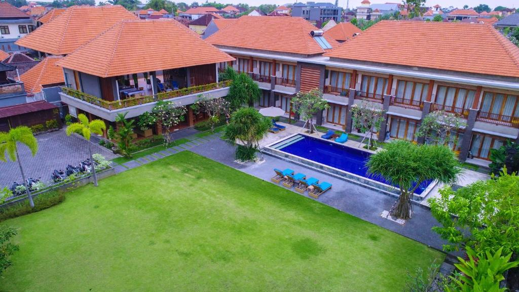 A view of the pool at Kubu Cempaka Seminyak or nearby