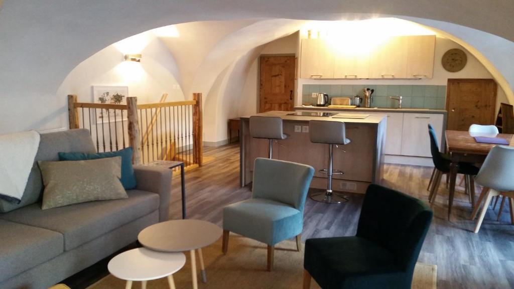A kitchen or kitchenette at Maison à Tour Briançon
