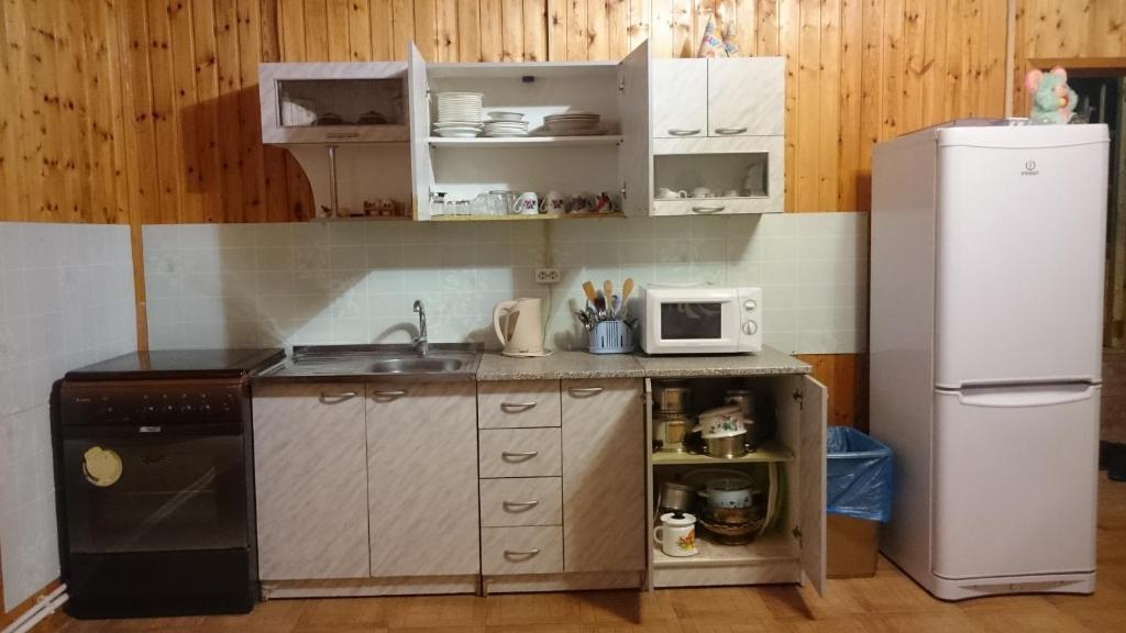 "A kitchen or kitchenette at Адыгея""Хаджохский отдых"""