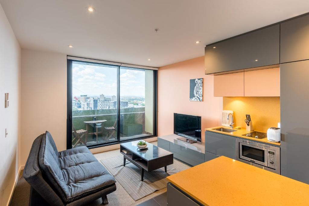 A seating area at Melbournian Luxury Lifestyle 1BR