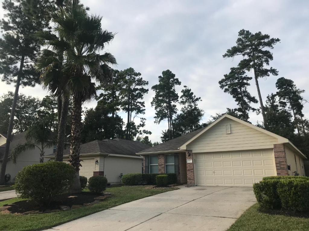 Holiday Home Luxurious 3 Bedroom House The Woodlands Tx Johnson Usa Booking Com