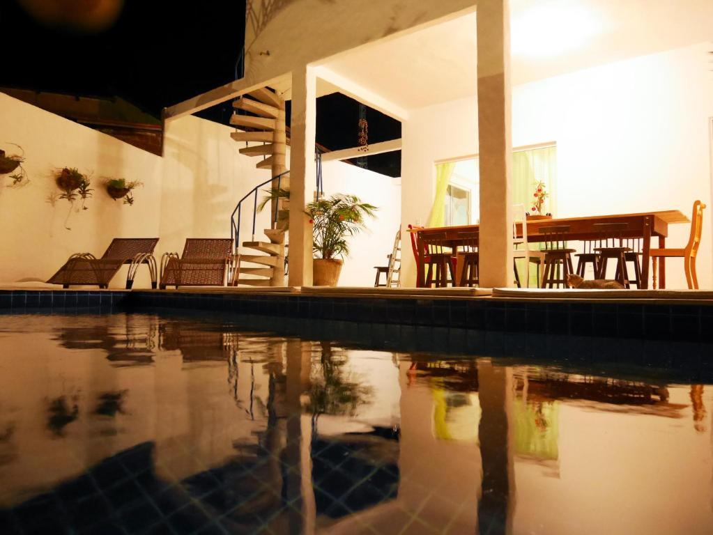 A piscina localizada em Casa do Sol ou nos arredores
