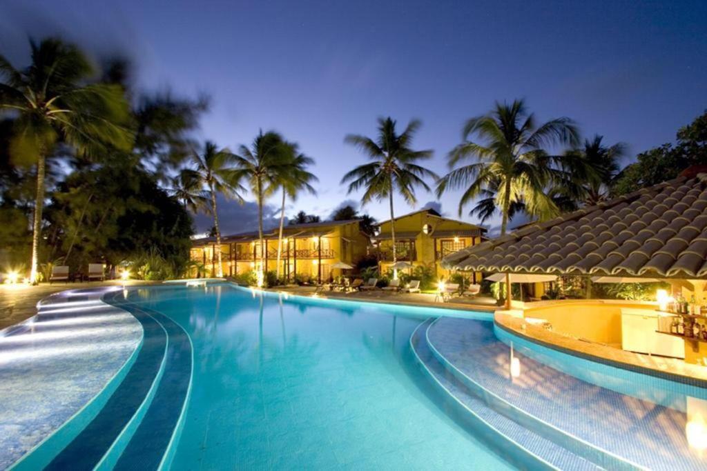 A piscina localizada em Duplex Girassóis Pipa ou nos arredores