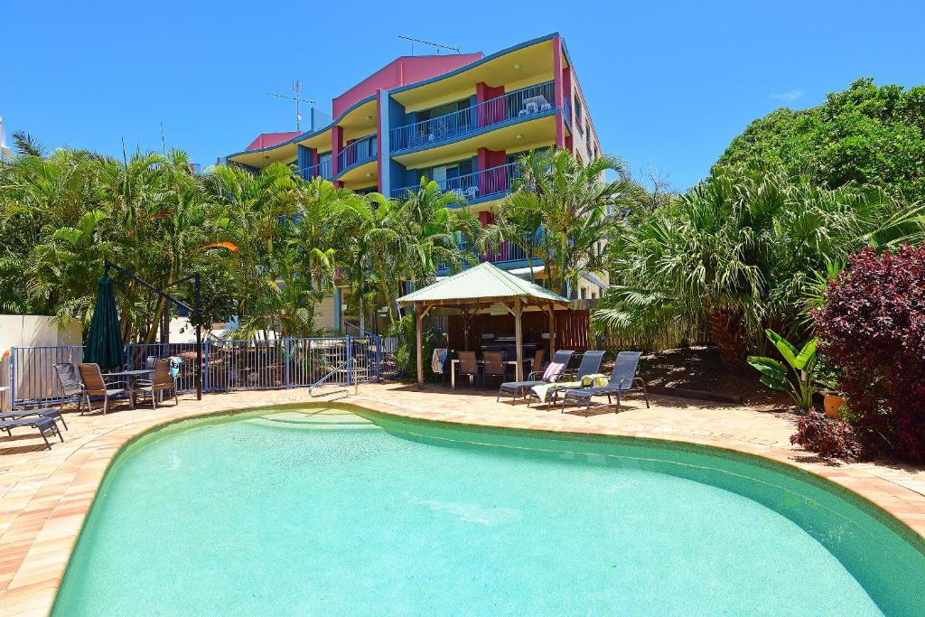 The swimming pool at or near Lindomare Apartments