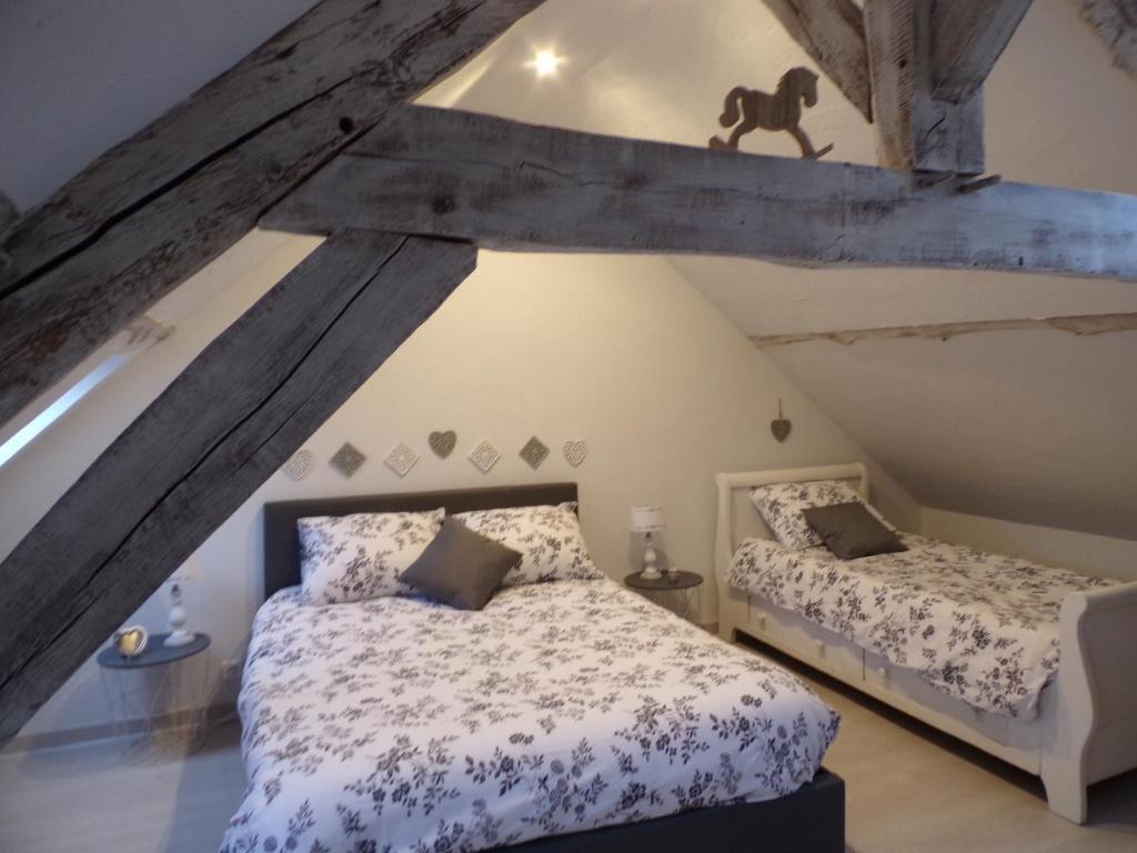 Un ou plusieurs lits dans un hébergement de l'établissement les glycines