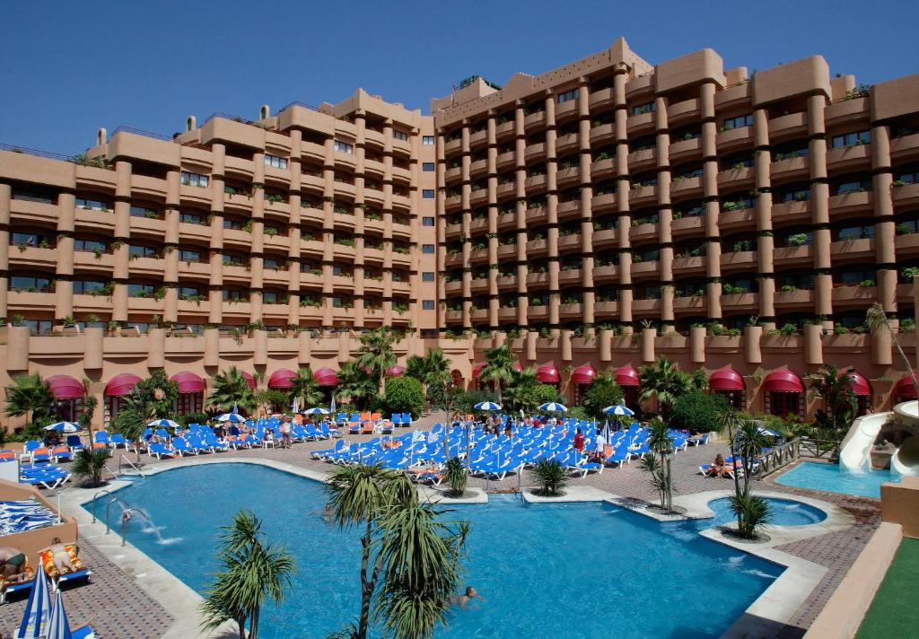 The swimming pool at or near Almuñecar Playa Spa Hotel