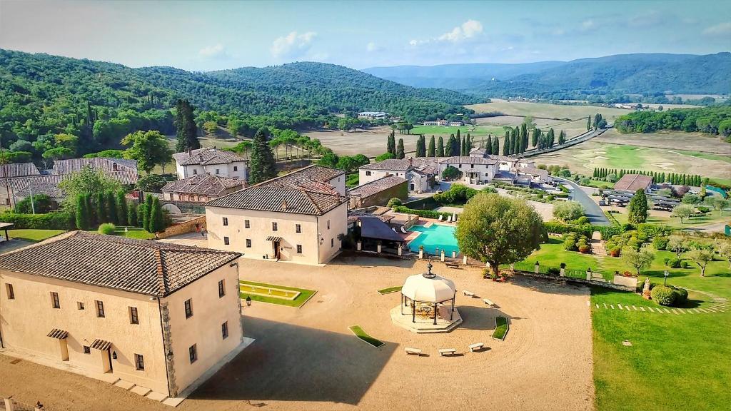 A bird's-eye view of La Bagnaia Golf & Spa Resort Siena - Curio, A Collection by Hilton