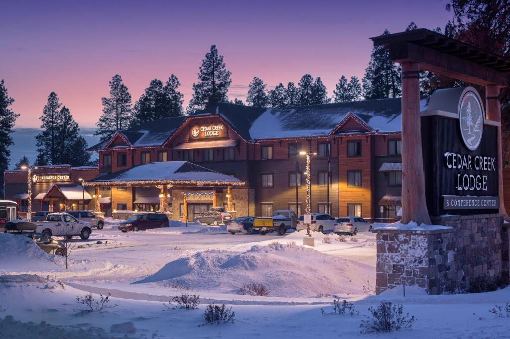 Cedar Creek Lodge & Conference Center during the winter