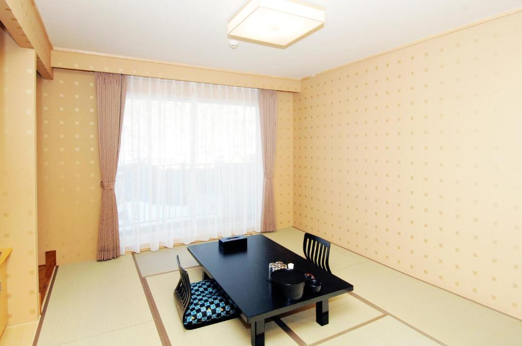 A television and/or entertainment center at Shiretoko Noble Hotel