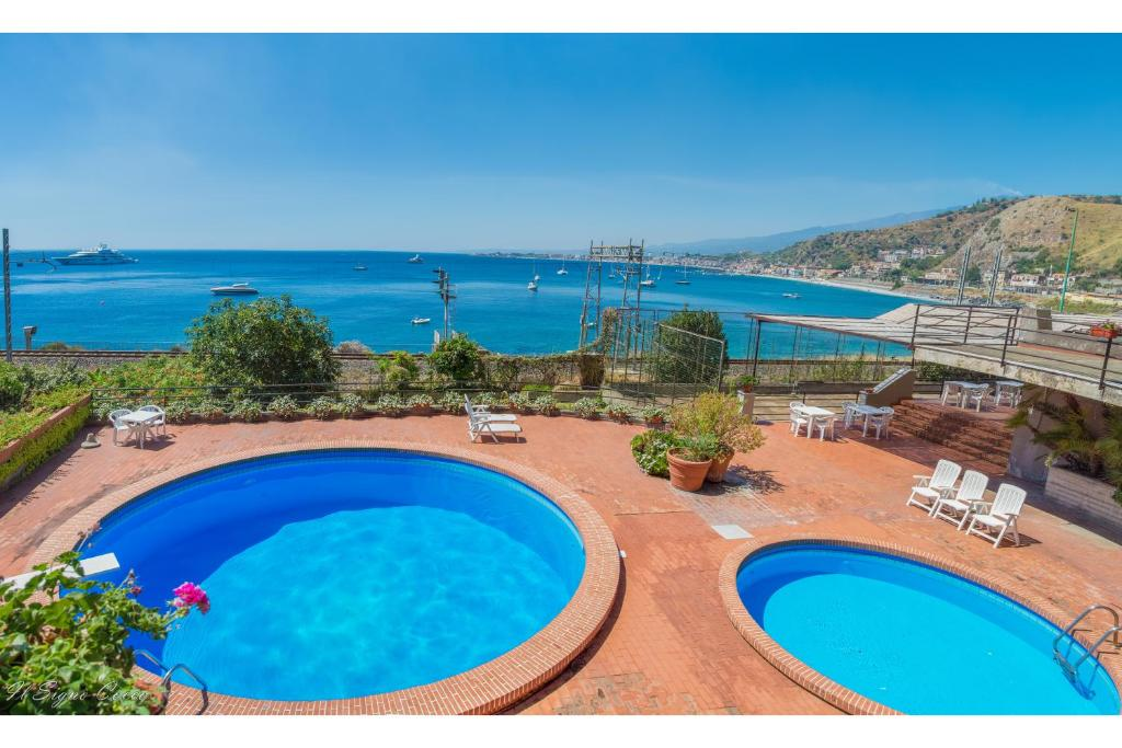 A view of the pool at Il Signò Cocco Taormina or nearby