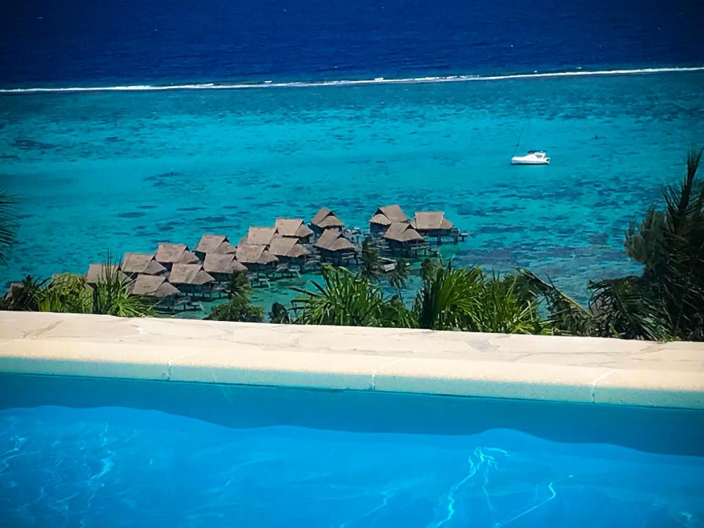 The swimming pool at or near Villa Dream Lagoon