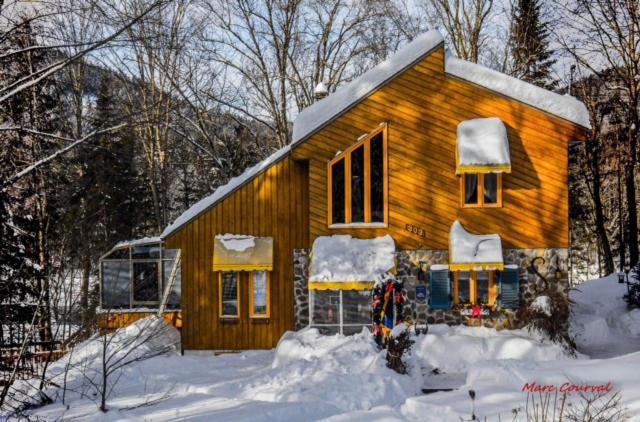 L'établissement Gite La Jeanne-Claire Couette & CAfé en hiver