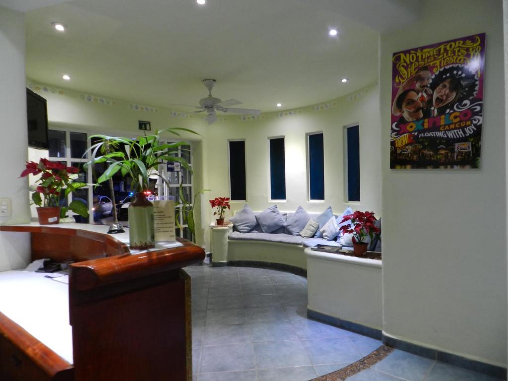 The lobby or reception area at Hotel Castillo Del Mar-5ta Avenida