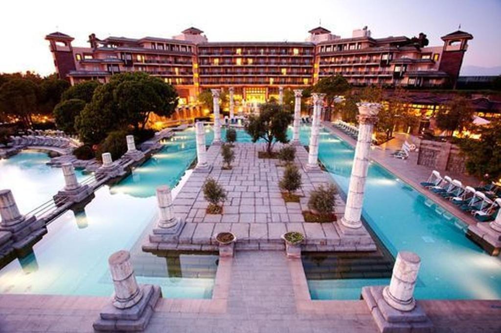 Ein Blick auf den Pool von der Unterkunft Xanadu Resort Hotel - High Class All Inclusive oder aus der Nähe