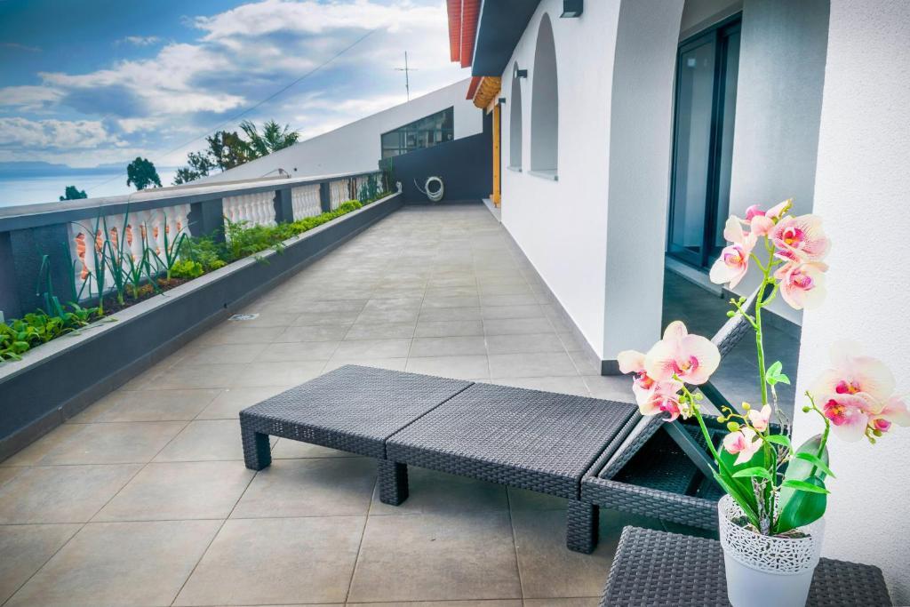 A balcony or terrace at Barreiros House