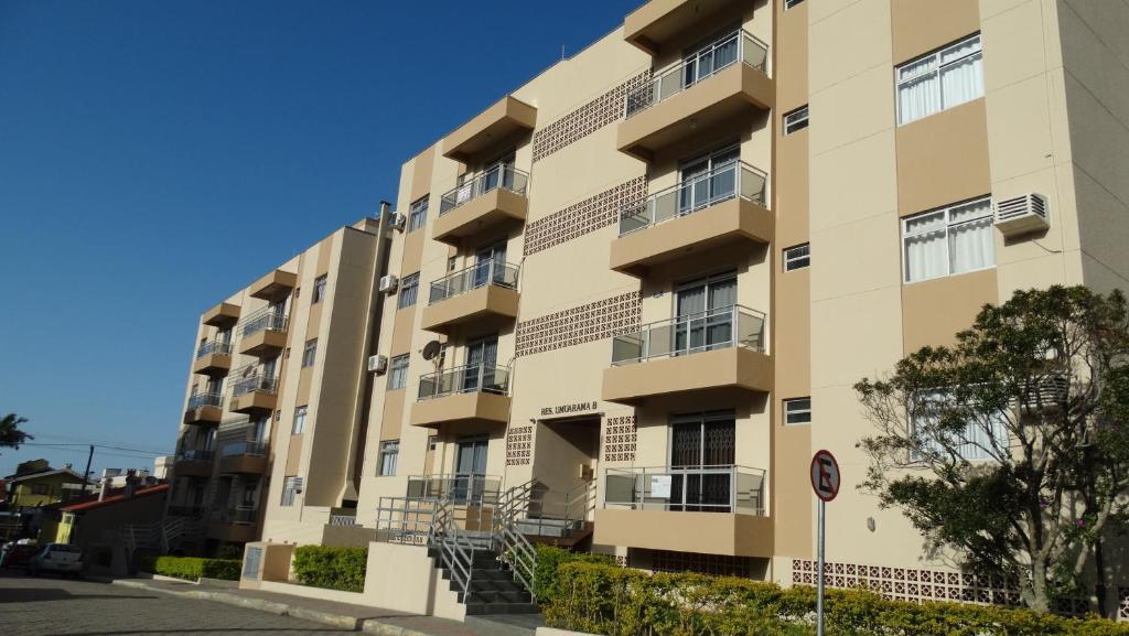 REF 001 Lindo Apartamento pertinho do Mar