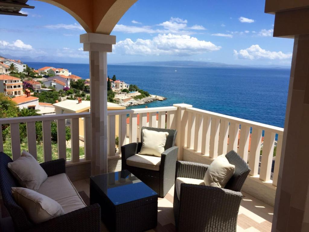 A balcony or terrace at Villa Omazic