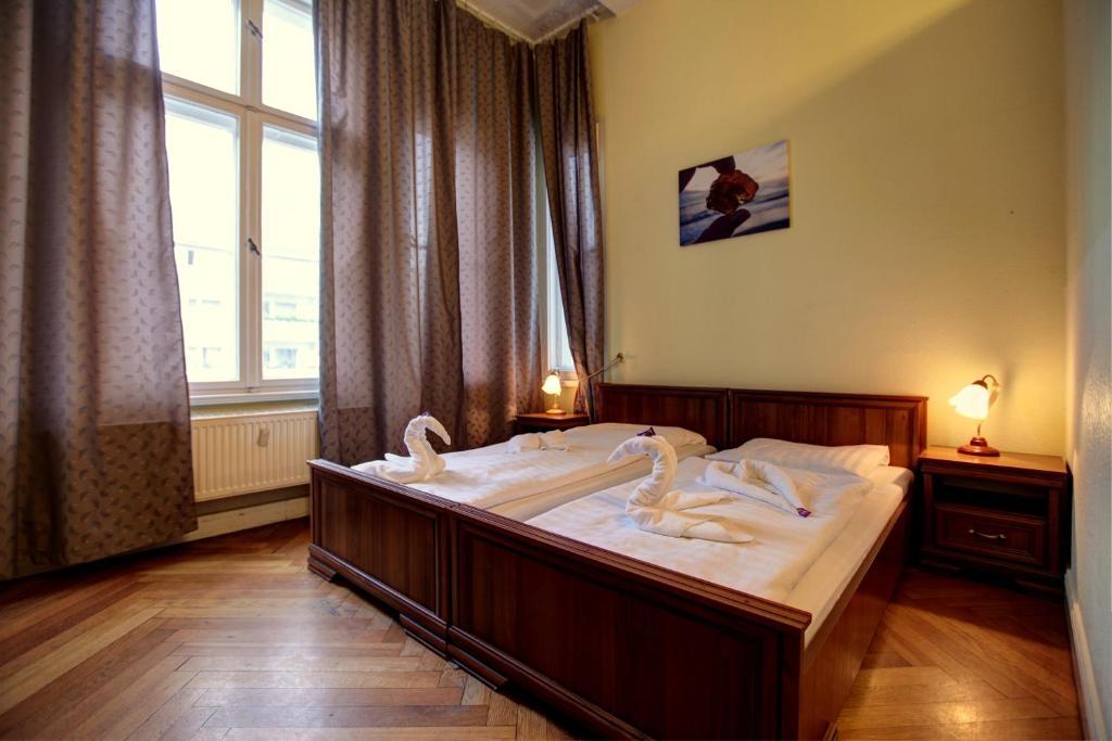 Hotel Pension Bernstein am Kurfurstendamm Berlin, Germany