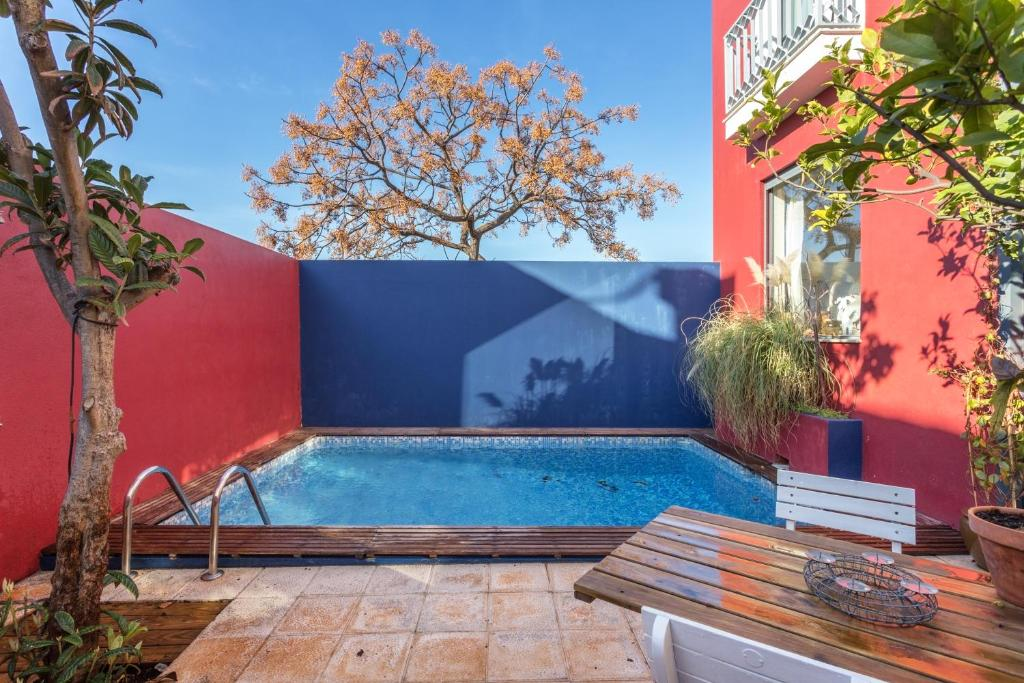 The swimming pool at or near Figuras House Luxury Villa