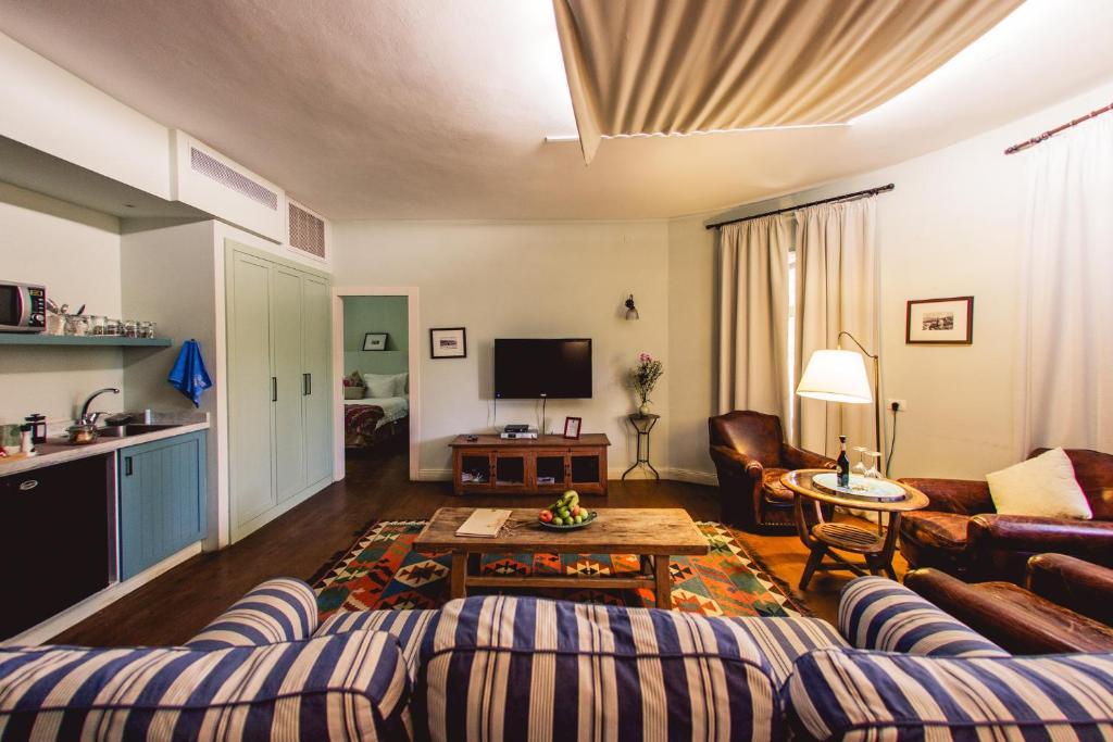 Coin salon dans l'établissement Tur Sinai Organic Farm Resort