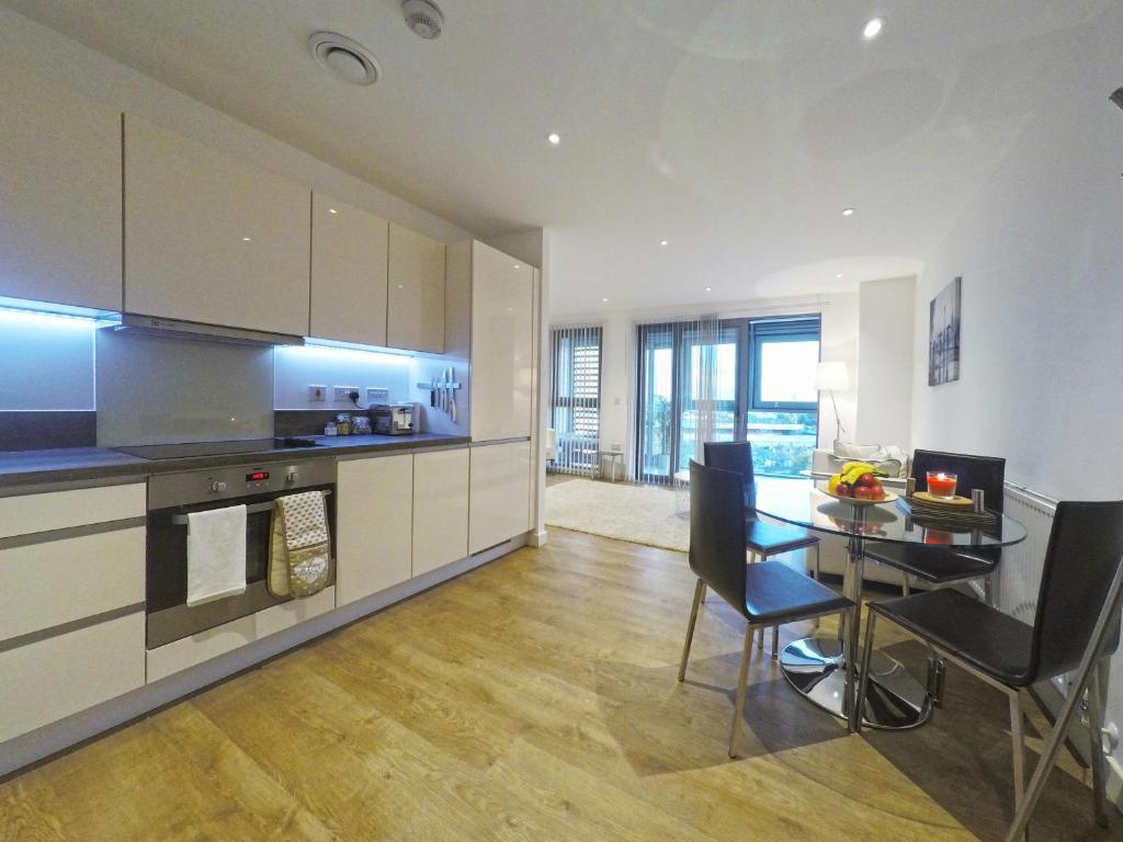 West Side Apartments -Brentford, London