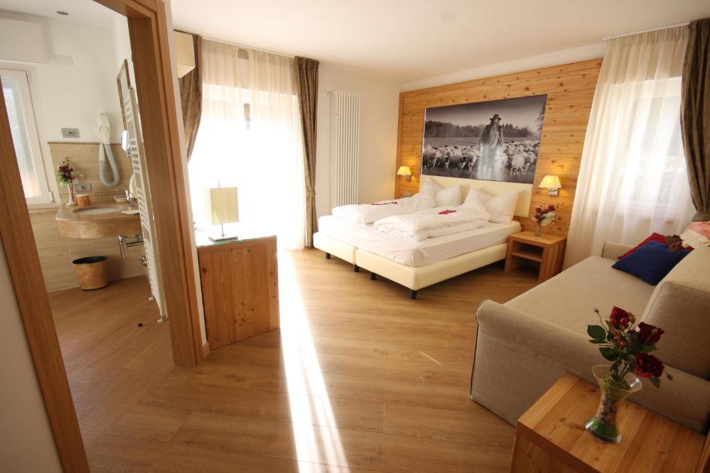 Hotel Pineta Baselga di Pine, Italy