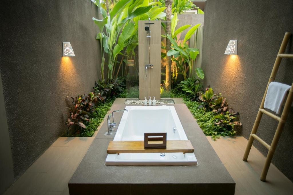 Senetan Villas And Spa Resort Payangan 8 9 10 Updated 2021 Prices
