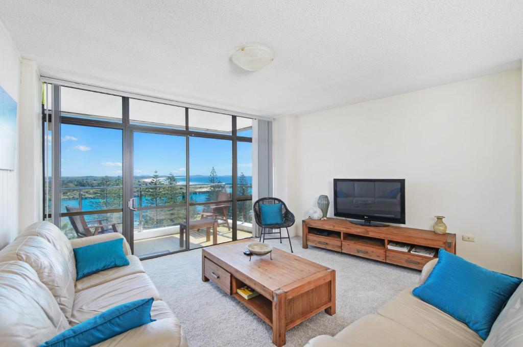 A seating area at Tasman Towers 22, 3 Munster Street