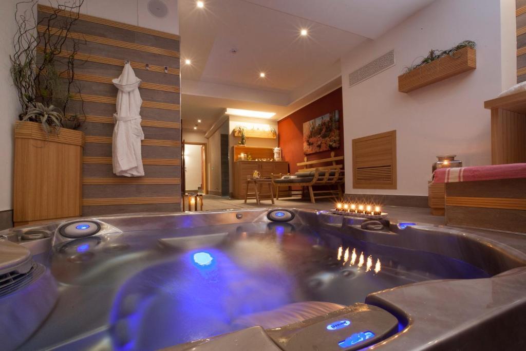 Piscina di Hotel Tasso Suites & Spa o nelle vicinanze