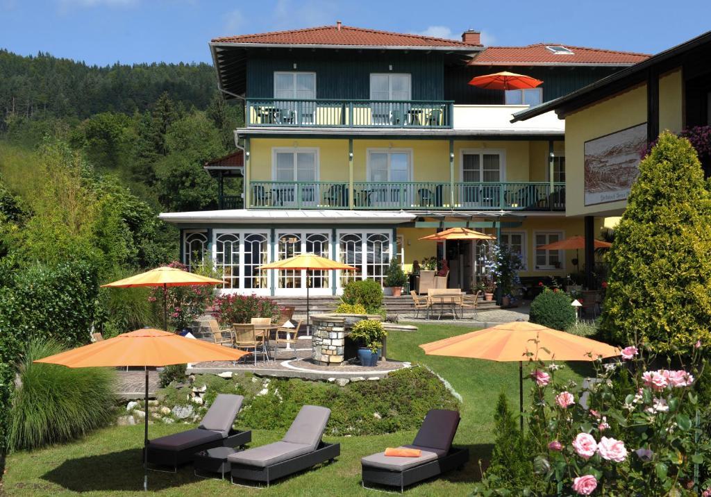 WUNDER s - Ferienpension & Apartment