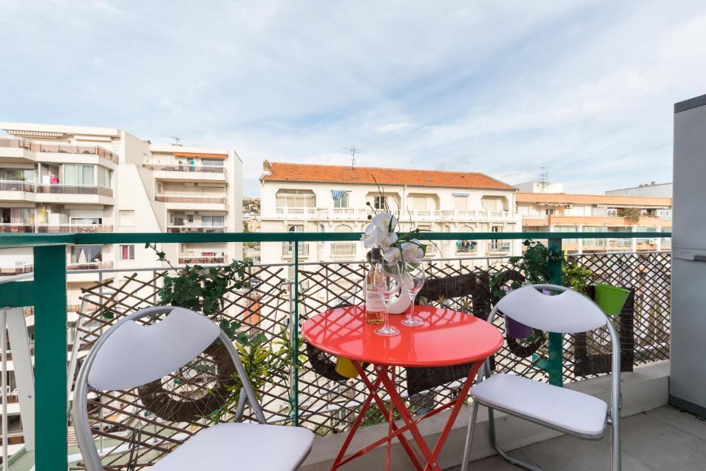 Apartment Centragence Promenade Des Anglais Studio Nice France Booking Com