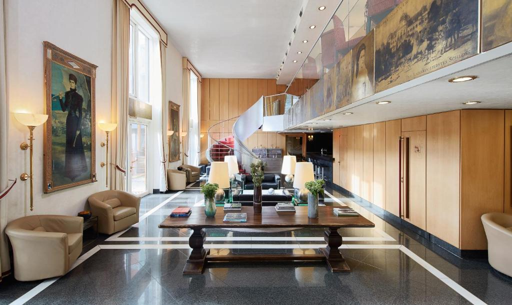 The lobby or reception area at Living Hotel Prinzessin Elisabeth