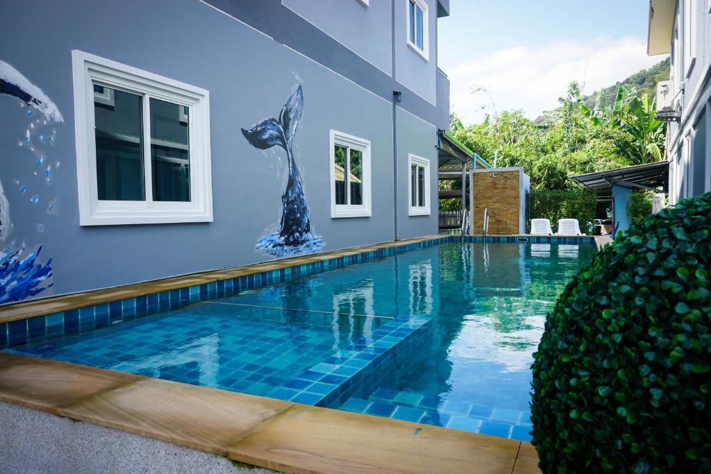 Der Swimmingpool an oder in der Nähe von The Ri Hotel