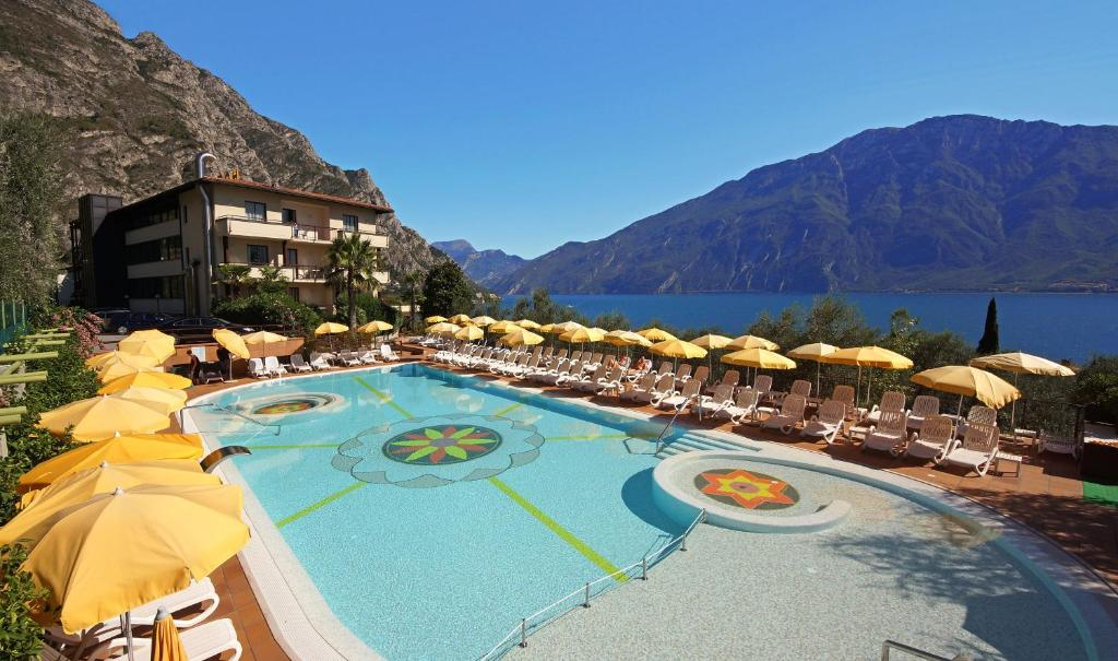 A view of the pool at Hotel Ilma or nearby