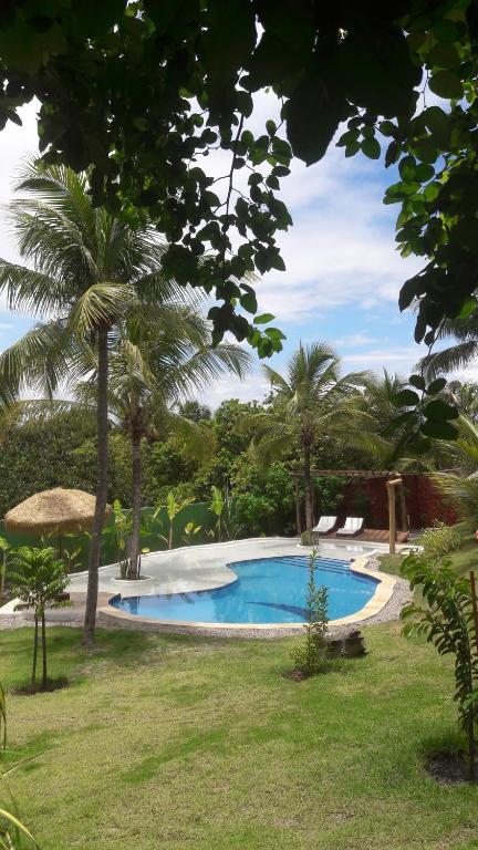 A piscina localizada em Menina da Lua ou nos arredores