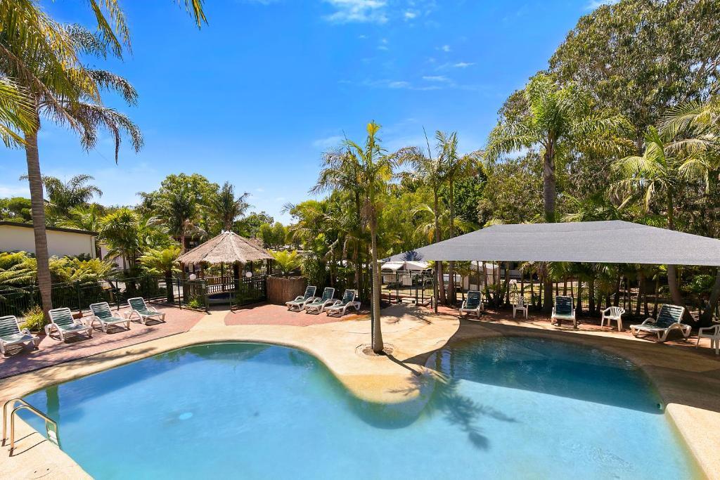 The swimming pool at or near Kaloha Holiday Resort Phillip Island
