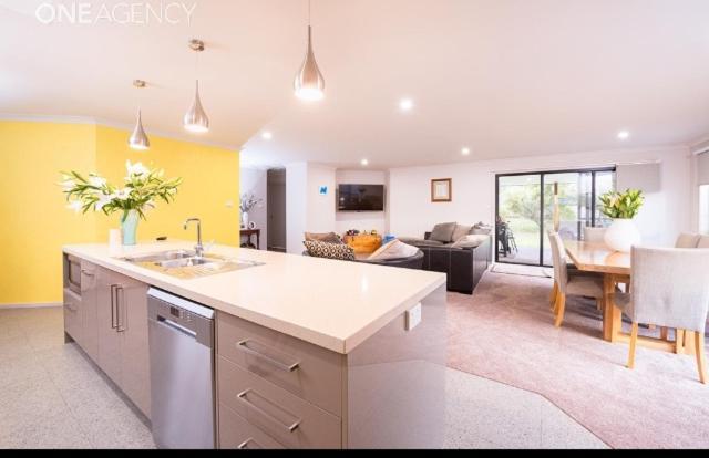 A kitchen or kitchenette at Euphoria House