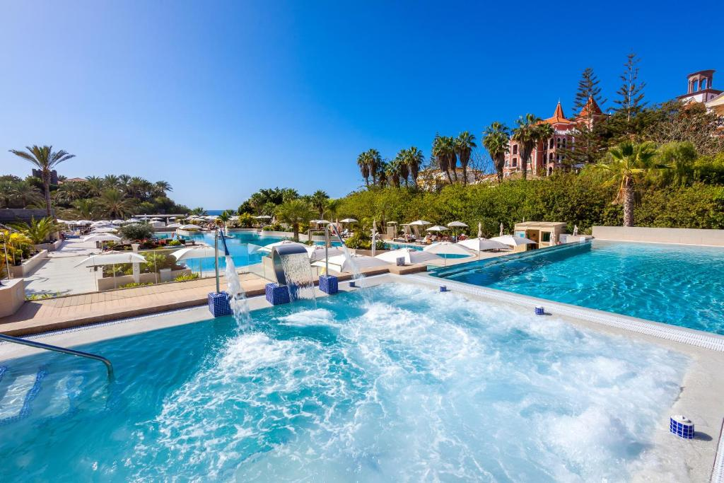 The swimming pool at or near Gran Tacande Wellness & Relax Costa Adeje