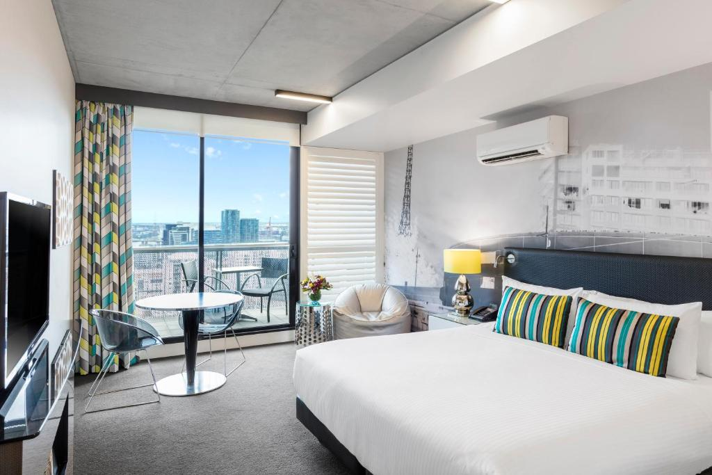 Apartments @ 350 William