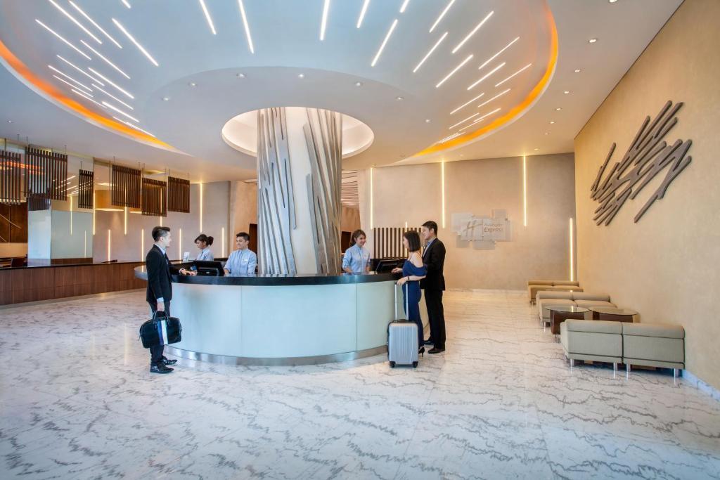 Holiday Inn Express Jakarta Pluit Citygate Jakarta 7 6 10 Updated 2021 Prices