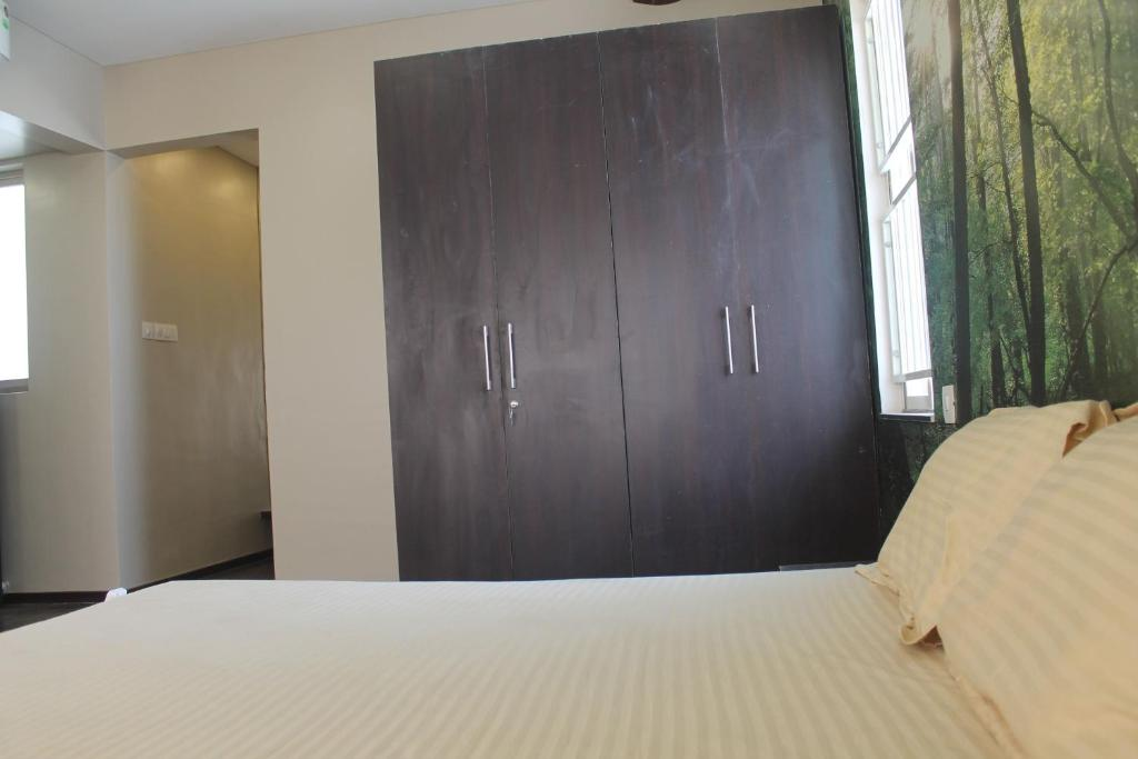 Apartment Luxurious 3 Bedroom Flat Bathroom In Hinjewadi Pune India Booking Com