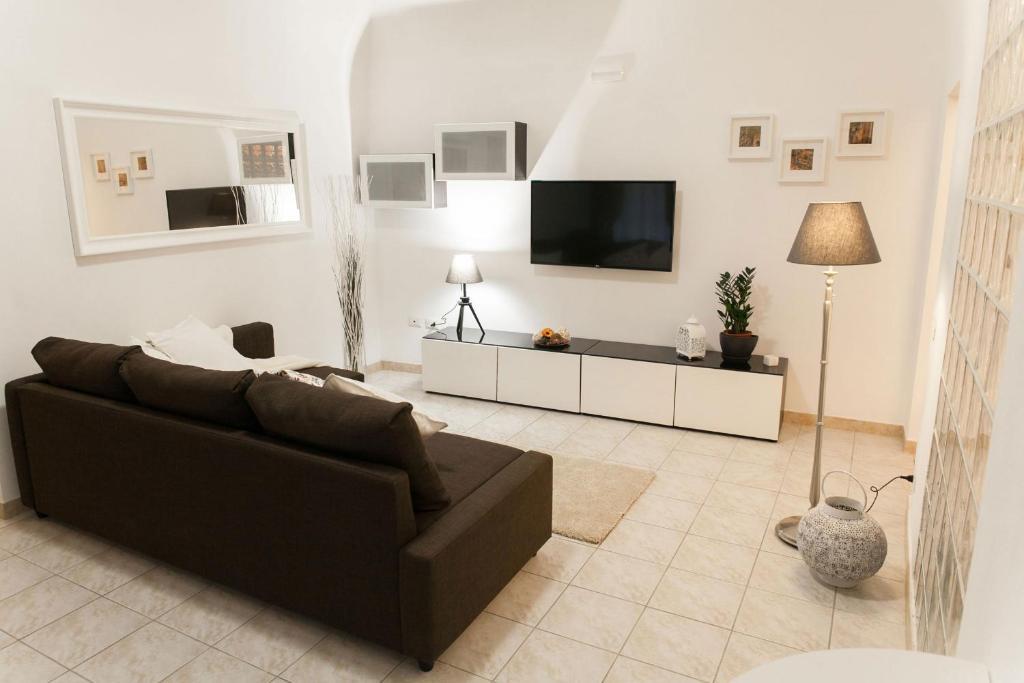 A seating area at Ricciarelli 42
