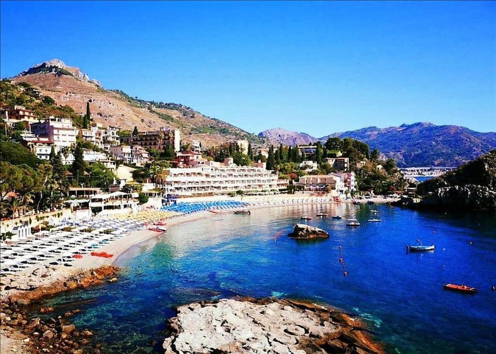 Hotel Kalos Giardini Naxos, Insula Sicilia, Italia